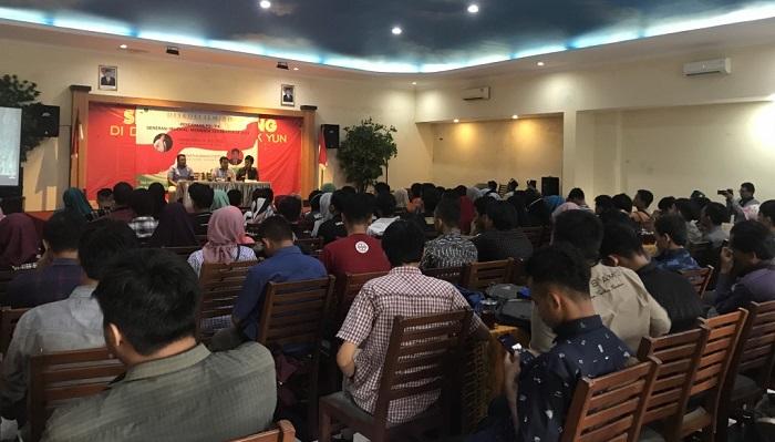 Diskusi Ilmiah yang digelar oleh Himpunan Mahasiswa Islam Cabang Surakarta. (FOTO: NUSANTARANEWS.CO/Muchlas Jaelani)