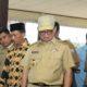 Gubernur Kaltara Dr H Irianto Lambrie saat meninjau UMKM kain tenun khas NTT di Desa Silva Rahayu, Tanjung Palas Utara. (FOTO: NUSANTARANEWS.CO/Humas Pemprov Kaltara)