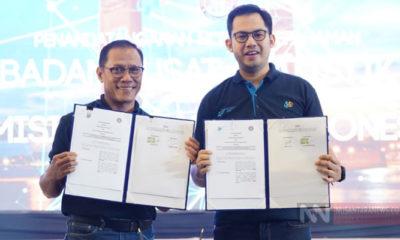 Kepala BPS Suhariyanto (kiri) dan Ketua KPI Yuliandre Darwis (kanan) tunjukkan hasil MoU (Foto KPI untuk NUSANTARANEWS.CO).