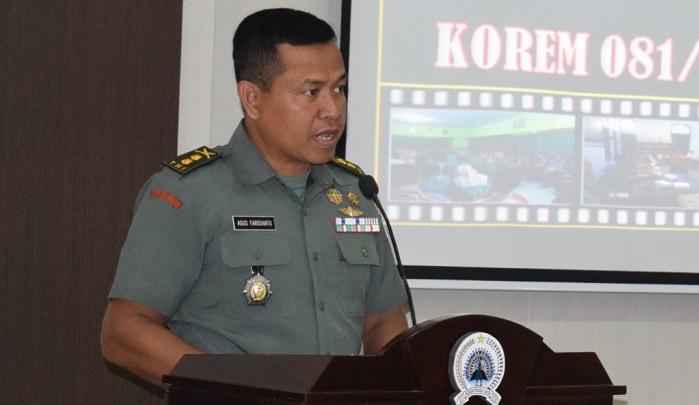 Kasrem 081/DSJ Letkol Inf Agus Faridianto yang mewakili Danrem 081/DSJ Kolonel Inf Masduki. (FOTO: NUSANTARANEWS.CO/Pen81)