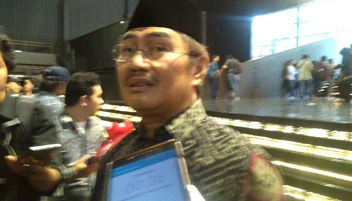 Ketua Umum Ikatan Cendekiawan Muslim Indonesia (ICMI) Jimly Asshiddiqie meminta kubu Jokowi dan juga kubu Prabowo Subianto untuk menghentikan gaya menyerang pribadi. (Foto: Romandhon/NUSANTARANEWS.CO)