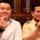 Prabowo Subianto Bersama Ajudan Pribadinya, Dhani Wirianata Berpose Jari Menbentuk Love (Foto Credit by @dhaniwirianata)