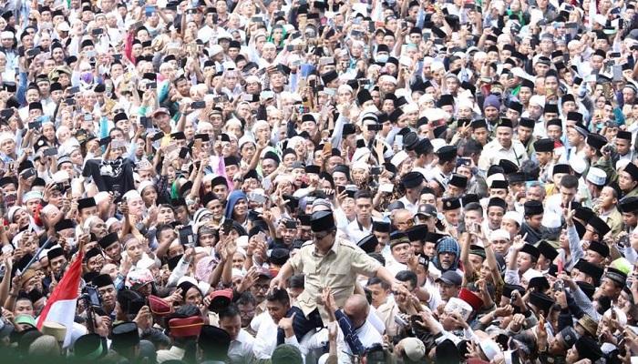 Prabowo menghadiri acara silaturahmi dan doa kebangsaan bersama Kiai Tohir di Madura, Jawa Timur1