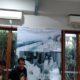 Sutradara Film 'Yang Ketu7uh', Dhandy Dwi Laksono mempersilakan film dokumenter karyanya diputar di markas pendukung capres 01 dan 02, Selasa (19/2/2019). (Foto: Romandhon/NUSANTARANEWS.CO)