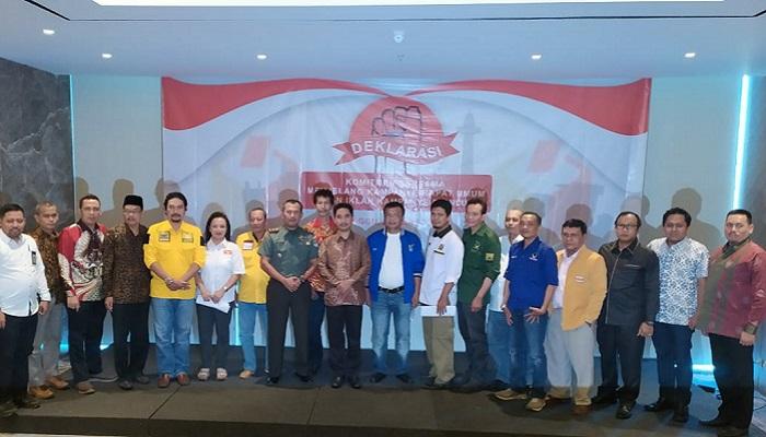 Badan Pengawas Pemilu (Bawaslu) Kota Jakarta Pusat mendeklarasikan Pemilu Damai sebagai komiten bersama dalam rangka menghadapi kampanye rapat umum dan iklan kampanye di Hotel Grand Orchardz. (FOTO: NUSANTARANEWS.CO/Istimewa)