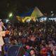 Cawapres 01 Kiai Ma'ruf Amin bershalawat bersama masyarakat dalam acara 'Jogja Nyawiji Nderek Kyai' di Lapangan Tempel, Sleman. (FOTO: Dok. @KHMarufAmin_)