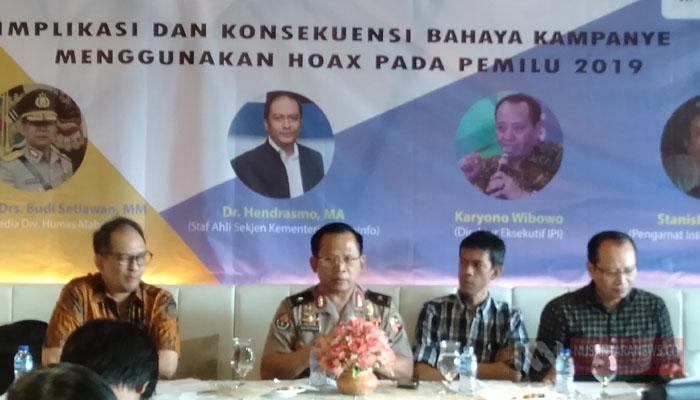 Diskusi Bertajuk Implikasi dan Konsekuensi Bahaya Kampanye Menggunakan Hoaks pada Pemilu 2019 di kawasan Cikini, Jakarta Pusat, Sabtu (16 3 2019). (Foto: Romandhon/NUSANTARANEWS.CO)