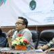 Dosen Sosiologi Fakultas Humaniora UIN Yogyajkarta, Bernando J Sujibto (Tengah) dan Pemerhati Migas di Yogyakarta, Ahmad Salehudin (Kanan). (FOTO: NUSANTARANEWS.CO/Muchlas Jaelani)