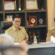 Gubernur Kaltara, Dr H Irianto Lambrie memimpin rapat staf dengan kepala OPD lingkup pemprov, Senin (18/3). (FOTO; Istimewa)