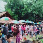 ASN Kemenag Lampung, Dharma Setyawan Dosen IAIN Metro Lampung dan Ahmad Tsauban Kasi Haji Kemenag Lampung Timur menggagas Pasar Yosomulyo Pelangi disingkat Payungi. Payungi dapat dimaknai memayungi atau melindungi dari terik dan hujan. Sebuah gagasan pasar tradisional untuk memihak kepada pasar warga yang selama ini dipinggirkan oleh arus pasar modern milik segelintir orang, kata Dharma Dosen IAIN Metro via Wahatsap, Jumat (29/3). (Foto: Istimewa)
