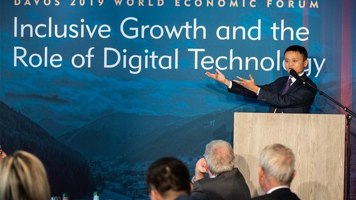 """Jack Ma, salah satu pendiri dan Executive Chairman Alibaba Group, dalam peluncuran Studi Louhan Academy """"Digital Technology and Inclusive Growth"""" di Davos. (FOTO: Istimewa)"""