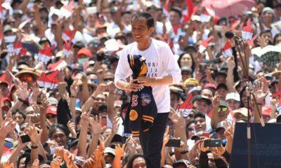 Jokowi saat deklarasi alumni Jogja di Stadion Kridosono, Yogyakarta. (Foto: (Foto: NUSANTARANEWS.CO/Istimewa)