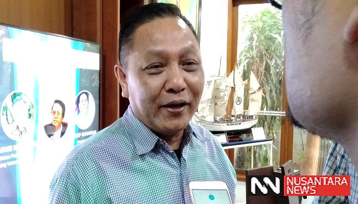 Ketua Swing Voters Indonesia Adhie Massardi mengatakan Sandiaga Uno berhasil menang secara TKO (technical knock-out) terhadap Kiai Ma'ruf Amin di debat cawapres, Minggu (17/3). (Foto: Romandhon/NUSANTARANEWS.CO)