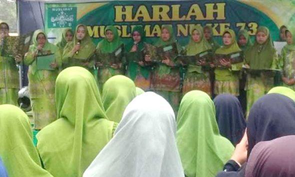 Muslimat NU Jember Dukung Jokowi-Ma'ruf di Pilpres 2019. (FOTO: NUSANTARANEWS.CO/HAN)