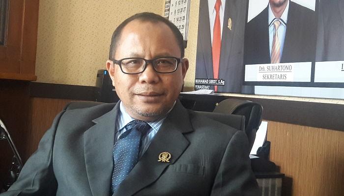 Wakil Ketua Komisi D DPRD Jatim Artono dukung Abdurrachman Saleh Malang menjadi bandara internasional. (Foto: Setya N/NUSANTARANEWS.CO)