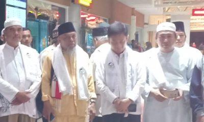 Didi Apriadi bersama Forum Jamaah Haji Sumsel. (FOTO: NUSANTARANEWS.CO/Istimewa)