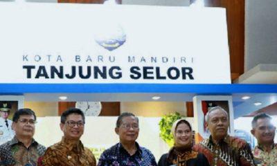 Kota Baru Mandiri Tanjung Selor - Gubernur Kaltara Irianto Lambrie (dua dari kiri) dan Menko Perekonomian Darmin Nasution (tengah). (FOTO: Istimewa)