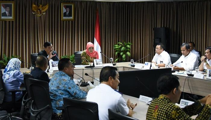 Lobi ke Pusat untuk Diberi Kemudahan, Ini Cara Gubernur Khofifah Sejahterakan Nelayan Jatim, nusantaranewsco