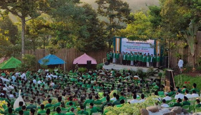 Halaqah Kebangsaan dan Pelantikan Pengrus PAC Ansor Kecamatan Dawe di The Hill's Vaganza, Jumat (17/05). (FOTO: Istimewa)