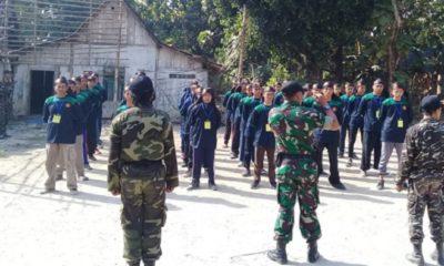 Anggota Kodim Ngawi Latih Peraturan Baris Berbaris Calon Anggota Banser. (FOTO: NUSANTARANEWS.CO)