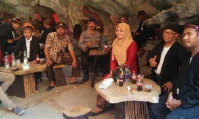 Bupati Sumenep Abuya Busyro Karim dan Wakil Bupati Ahmad Fauzi Saat Berkunjung ke Gua Soekarno. (Foto: Mahdi/NUSANTARANEWS.CO)