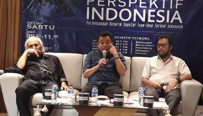 Pengamat politik yang juga Ketua Institut Peradaban Prof. Dr. Salim Haji Said (kiri) dan Politisi senior Partai Golkar Yorrys Raweyai (kanan) dalam diskusi Perspektif Indonesia, di Gado-Gado Boplo Resto, Cikini, Jakarta, Sabtu (22/6/2019). (FOTO: Dok. Akurat)