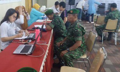 Donor Darah: Puluhan prajurit Kodim 0831/Surabaya Timur beramai-ramai mendatangi lantai 5 RS Mitra Keluarga. (FOTO: NUSANTARANEWS.CO)