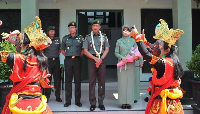 Lanjutkan Studi Militer ke Amerika Serikat, Kolonel Inf Bagus Suryadi Tayo Lepaskan Jabatan Danrem 083 Baladhika Jaya