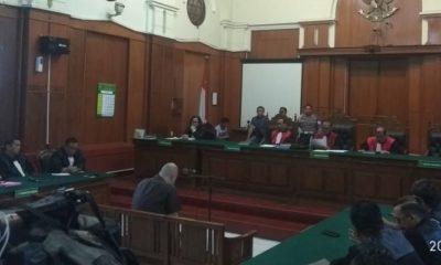 Majelis Hakim Vonis Ahmad Dhani 1 Tahun Penjara. (Foto: Setya/NUSANTARANEWS.CO)