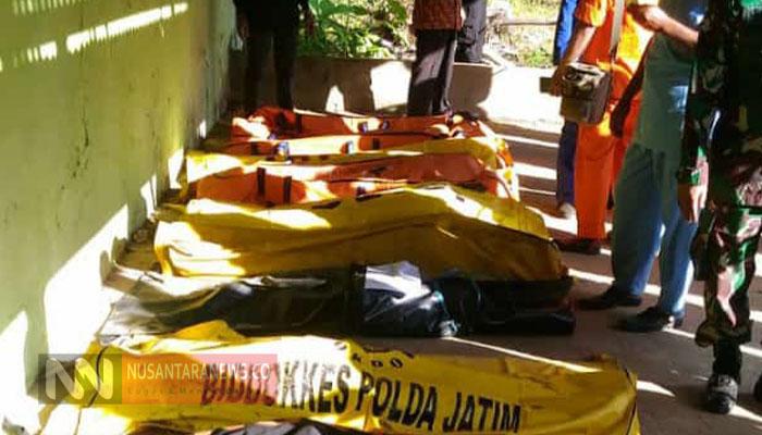 Para Korban Meninggal dalam Peristiwa Kecelakaan Kapal Arina Jaya Berhasil Dievakuasi. (Foto: Mahdi/NUSANTARANEWS.CO).