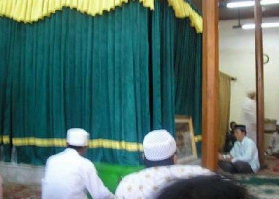 Para peziarah di Makam Luar Batang. (Ilustrasi)