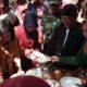 Suasana festival ketupat di Pantai Slopeng. (FOTO: NUSANTARANEWS.CO/ Mahdi)