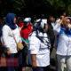 Tolak PPDB Sistem Zonasi, Para Wali Murid di Surabaya Menngelar Gelar Aksi Protes Sebagai Bentuk Keprihatinan. (Foto: Tri Wahyudi/NUSANTARANEWS.CO)