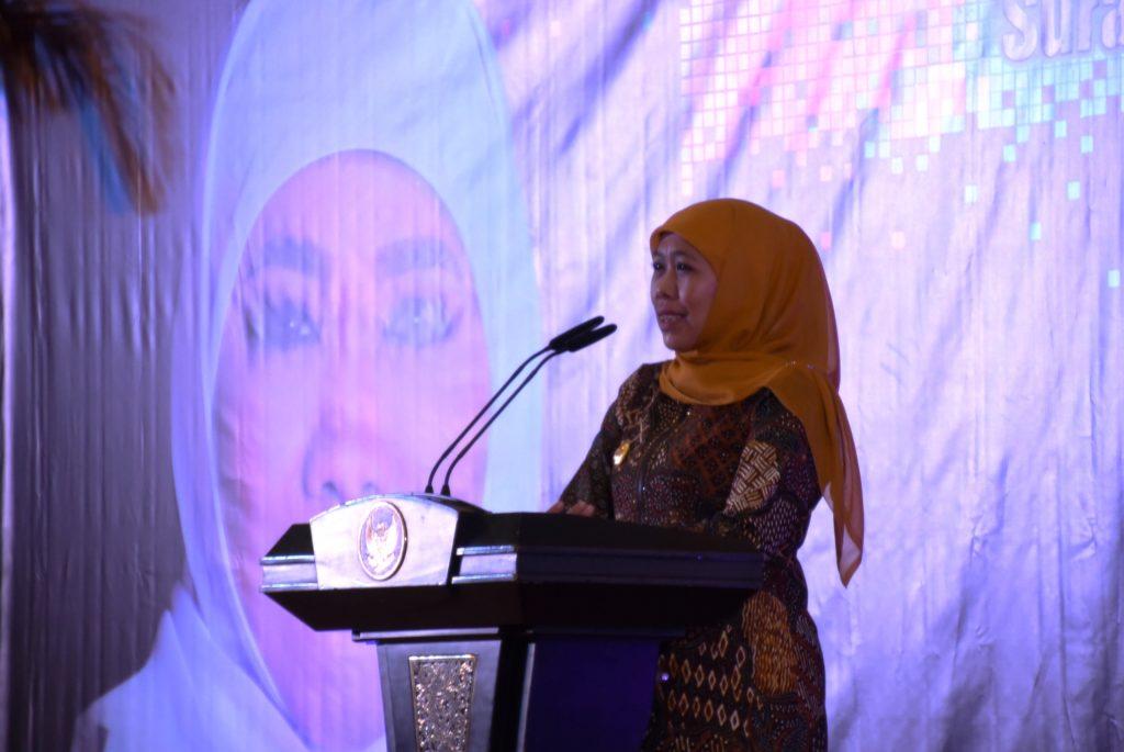 Gubernur Jatim Khofifah Indar Parawan Mengatkan bahaya Narkoba Jenis Pil Zenit yang Dijual Harga Murah di Surabaya. (Foto: Tri Wahyudi/NUSANTARANEWS.CO)
