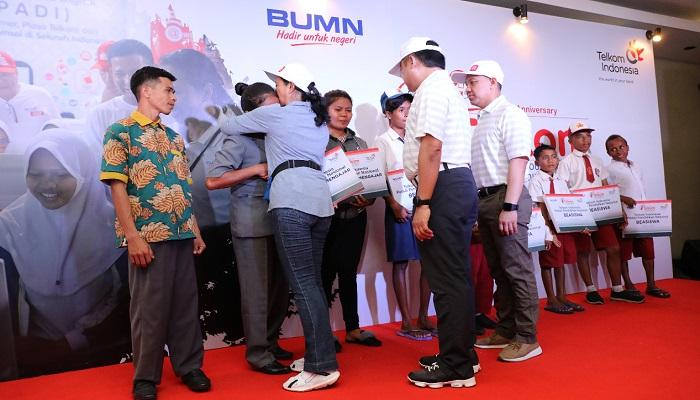 54 tahun, telkom indonesia, telkom, bantuan csr, peduli pendidikan nasional, sekolah, wilayah 3t, nusantaranews