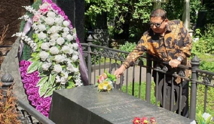 Ziarah ke makam sastrawan besar Rusia, Nikolai Gogol (1809-1852) di Novodevichy, Moskow, Rusia. (FOTO: @fadlizon)