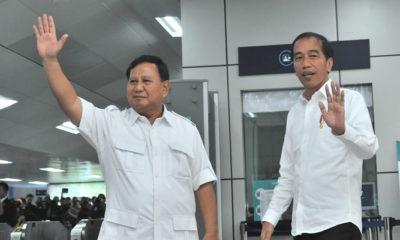 Jokowi bertemu Prabowo Subianto di Stasiun MRT Lebak Bulus, Jakarta Selatan Sabtu (13/7). (Foto: Dok. Setkab)