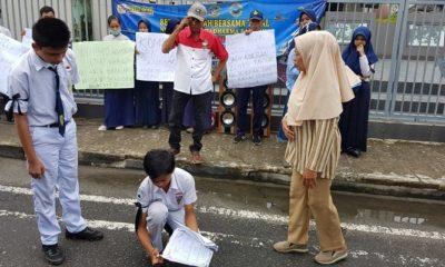 Kecewa Sistem Zonasi PPDB, Pelajar di Nunukan Lakukan Aksi Bakar Ijazah, nusantaranewsco