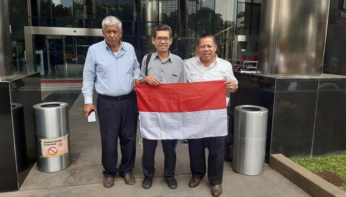 Koalisi Rakyat Untuk Kedaulatan SDA Laporkan Kasus Blok Corridor ke KPK.  (FOTO: NUSANTARANEWS.CO/Romadhon)