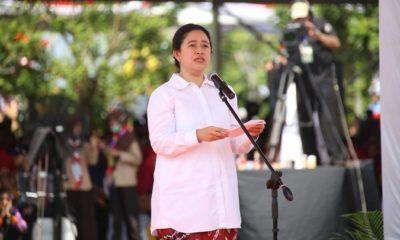 Menko PMK Puan Maharani menyampaikan sambutan di Hari Keluarga Nasional 2019 di Banjarbaru. (FOTO: Dok. Kemenko PMK)