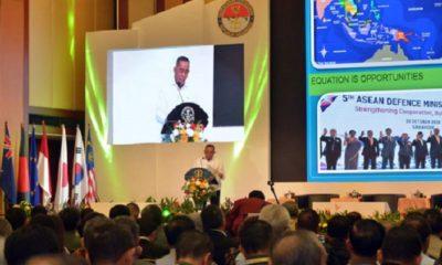 """Menteri Pertahanan Ryamizard Ryacudu saat sambutan dalam Seminar Internasional """"Indonesia International Defense Science Seminar (IIDSS) 2019. (FOTO: Kemhan)"""