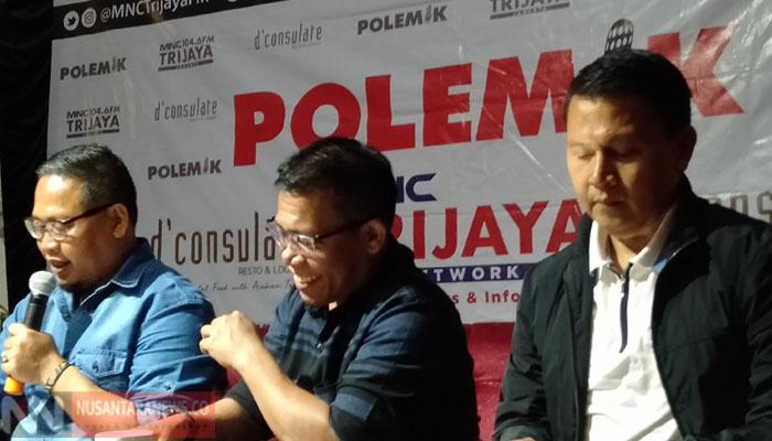 Politikus PDIP Masinton Pasaribu (tengah) Politikus PDIP Masinton Pasaribu (tengah) secara tegas menepis rumor keretakan hubungan antara partainya dengan partai Nasdem. (Foto: Romandhon/Nusantaranews.co)