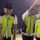 Ritual Pecah Kendi oleh pihak Garuda Indonesia saat berangkatkan jamaah Haji. (FOTO: Screenpicture)