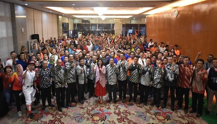 Sesi Foto Bersama Keluarga Besar EPN beserta tamu undangan. (Foto: Istimewa)