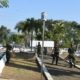 Wujud Penghormatan Prajurit Atas Jasa Para Pahlawan bersih-bersih di TMP. (FOTO: NUSANTARANEWS.CO)
