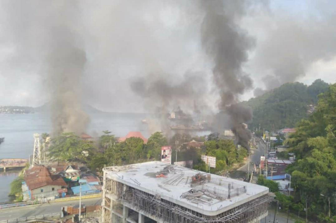 Aksi Kerusuhan Dalam Aksi Demo di Jayapura. (Foto Istimewa)