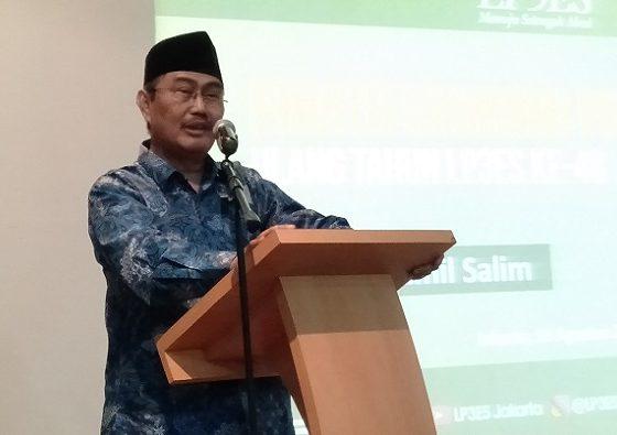 Ketua Umum ICMI (Ikatan Cendekiawan Muslim se-Indonesia) Jimly Asshiddiqie mengaku tak mempermasalahkan soal wacana Kemenristekdikti yang hendak melakukan pengadaan rektor asing ke perguruan tinggi dalam negeri. (FOTO: NUSANTARANEWS.CO/Romadhon)
