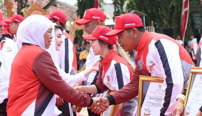 Gubernur Khofifah Luncurkan Program Jatim SEGER. (FOTO: NUSANTARANEWS.CO/Setya)