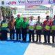 Wabup Sumenep saat memberikan penghargaan kepada ketua koperasi PSB. (Foto: Danial Kafi/NUSANATARANEWS.CO)