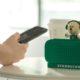 Momen pengalaman pesan-antar makin prima dan personal, makanan dan minuman Starbucks® kini bisa dipesan lewat speaker pintar Alibaba: Tmall Genie. (FOTO: Tang Ting)